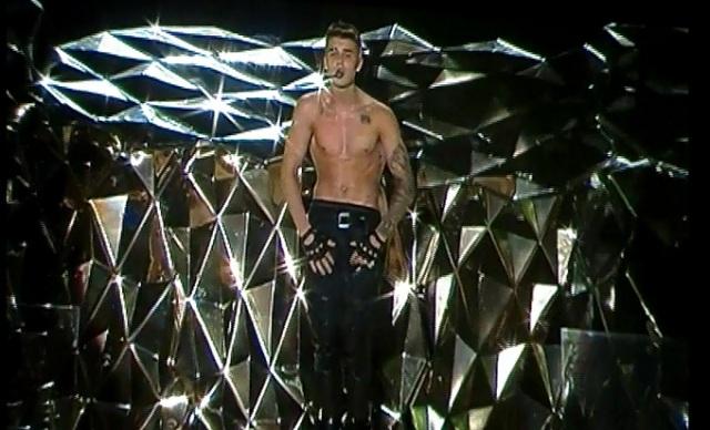 justinbieber-shirtless1j